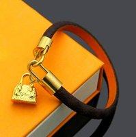 Top Paris Armbänder Männer Frau Designer Schritte Leder Blume Muster Armband Perlenschmuck mit Box