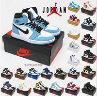Nike Air Jordan 1 رجالي أحذية كرة السلة عالية ogman 1s الجامعة الأزرق الفضة الملكي تو أسود لامع الذهب منتصف الدخان الرمادي unc براءات الرجال النساء أحذية رياضية