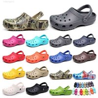 226 hotsale 패션 샌들 캐주얼 해변 방수 신발 남성 클래식 간호 분개 병원 여성 슬리퍼 의료