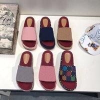 جودة عالية مصمم النساء النعال الأبجدية سيدة منصة الصنادل في حزب عارضة صندل الصيف شاطئ شبشب أحذية ملونة مع مربع