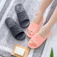 Тапочки HKXN Главная Пара Летние Крытая Ванная комната Случайные Женщины Пляжная Обувь Мода Досуг Удобные Воплата T