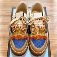 Sapatos de mulheres de luxo com lindo pingente top moda marca mulher sneakers tamanho 35-40 modelo RZ7445