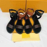 2021 Marka Lüks Tasarımcılar Ayakkabı Moda Kadın Sandalet Kadın Yay Yaz Kapalı Açık Çevirme Beach Terlik En Kaliteli Boyutu 35-45