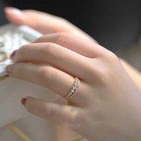 Anelli per le donne Light Light Lusso Delicato Doppia Fila Zircone Gold Colore Anello dito Regali Moda Gioielli KBR278 Wedding