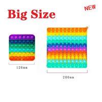 Mega Jumbo Gobang 20cm Grand Taille Bubble Boîte de bulle Fidget Sensory Push Doigt Puzzle Jouets Toys Rainbow avec mousqueton
