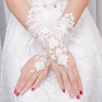 Bridal Gloves White Princess Cute Bride Lace Pearls Beaded Fingerless Two Pieces For Wedding Dress Hand-stitched Accessories JG001