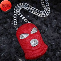 Mascarilla roja Colgantes colgantes para hombres Diseñador de lujo para hombre Bling Diamond Headgear Colgantes Oro Cubano Link Cadena Collar Joyería Regalo
