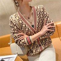 F 2021 La manica lunga autunno / inverno maniche lunghe per maglieria cardigan stile stile moda lana lettere ricamo maglieria