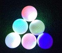 Светодиодные мячи для гольфа светящиеся сферы мигающие мяч практика тренировочные спорты ночью и многоцветные дополнительные упражнения аксессуары 8 6Zn H