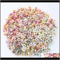 Dekoratif Çelenkler 50 adet / takım 2 cm Daisy Çiçek Kafaları Mini Ipek Yapay Çiçekler Çelenk Scrapbooking Ev Düğün Dekorasyon IEF IEF IEF 6U37O