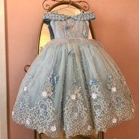 2021 Light Sky Blue Princess Flower Girl Dresses Off Shoulder Lace Appliques Pearls Crystal Flowers Child Pageant Dress Birthday Girls Wedding Gowns Floor Length