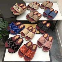Diseño bordado sandalias de alta calidad mujer zapatillas moda playa gruesa abajo plataforma zapatilla plataforma alfabeto dama sandalia cuero plana diapositivas 35-42
