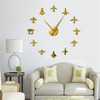 تحلق طائرة مقاتلة جت الحديثة كبيرة ساعة الحائط diy الاكريليك مرآة تأثير ملصق طائرة الصامت ساعة الحائط طيار ديكور المنزل OWD6606