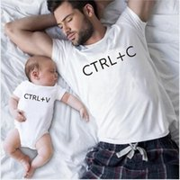 Família Correspondência de Roupas Ctrl + C e Ctrl + V Pai Filho Camiseta Família Olhar Diz T-shirt Bebê Bodysuit Família Família Roupas 1465 Y2