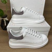 2022 Topkwaliteit bruiloft platform casual schoenen mode party heren vrouwen lederen fluwelen zwart wit blauw platte trainers sneakers witn box maat 35-45