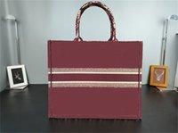 2021 Satış Alışveriş Çantaları Marka Yüksek Kalite Trendy Işlemeli Çanta Bayanlar Klasik Büyük Boy Omuz Çantası Ücretsiz Teslimat