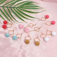 Tenande Hohe Qualität langer pelziger Ball Rhombus baumeln ohrringe für frauen maxi nette süßigkeiten farbe schmuck bijoux pendientes mujer chandelier