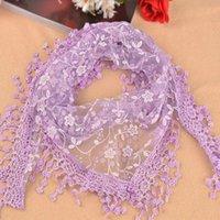 Bufandas 2021 Mujeres Lace Sheer Pura Metálico Estampado Floral Triángulo Mantilla Bufanda Shawal Tassel