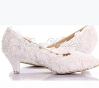 New Style White Lace Low Heel Wedding Bridal Kitten Heel Bridesmaid Shoes Elegant Party Embellished Prom Shoes Lady Dancing Shoes