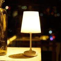 Lampes de table Lampe de contrôle à distance Idées étranges Idées portables Chargements Portable Chambre à coucher Chambre à coucher Chambre à coucher Dortoir Night Lights Éclairage Simple Simple