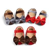 First Walkers Toddler Baby Girls Mary Jane Flats Soft Sole Non-Slip Infant Prewalkers Cute Velvet Princess Dress Crib Shoes With Bow