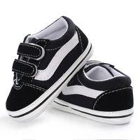 아기 침대 신발 신생아 아기 소녀 소년 소프트 솔 구두 안티 슬립 캔버스 스니커 트레이너 Prewalker 검은 흰색 0-18m