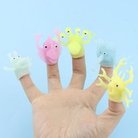 Doigts couvrent la mode jouet TPR Colle soft Glue lumineuse dans le doigt foncé Monsters Poupées du doigts pour enfants Storie Enfants Telling Prop mini doigt marionnette