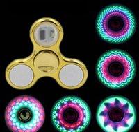 장갑 멋진 멋진 LED 빛 변경 Fidget 스피너 장난감 키즈 장난감 자동 변경 패턴 18 스타일 무지개 손 스피너