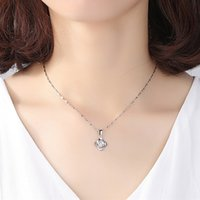 designer necklace 925 sterling silver Clavicle chain Suitable for Social gathering party Charm jewelry Four leaf clover pendant sweet gift