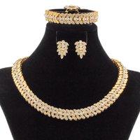 Ювелирные изделия Уболы Liffly Fashion Dubai Gold Flower Form Crystal Ожерелье Браслет Кольцо Серьги Свадебные Свадебные Аксессуары