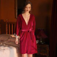 Velours d'hiver Pyjamas Pajamas Robes Dentelle Femmes Sleepwears Bathrobes Sexy Deep Veak Robes De Robe Femmes De Sleep Height Robe Avec Sashes Loungewear au chaud