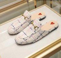 Designer Donne mocassini autunno inverno inverno sandali in lana calda classica fibbia in metallo ricamo stilista scarpe di alta qualità uomini in pelle mezza pantofole