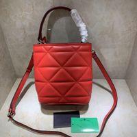 Femmes de luxe designers sacs 2021 sacs à main lingge sac de mode à quatre couleurs