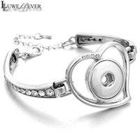 Bracelet strass en métal de Heart Luwellever 001 Fit 18mm Snap Bouton Banglier Charme Bijoux interchangeables Pour Femmes Cadeaux Bracelets