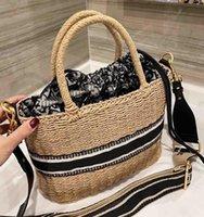 2021 Bilancio di lusso di fascia alta Bucket Cavolo Basket Shopping Bag Lady Rattan Wicker Tessuto One-Spalla Borse di grandi dimensioni