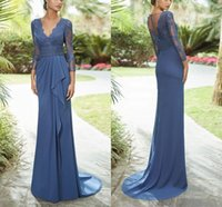 Elegant Satin Mermaid Mother Of The Bride Dresses Long Sleeves V Neck Beaded Applique Lace Evening Gowns Sweep Train Wedding Guest Dress