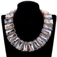 Chapeiros de luxo da moda da moda colar de cristal frisado e trapezoid forma de vidro feita malha gargantilha colares de torques de babady para mulheres