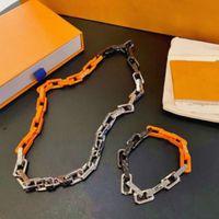 2021 Lancé dans le collier de luxe Bracelet Designer à la mode Coloré Chaîne de marque Collier Logo Lettres pour hommes et femmes Festival Cadeaux