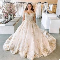 Plus Size Ball Gown Wedding Dresses Off Shoulder 3D Foral Appliques Short Sleeve Bridal Gowns Puffy Floor Length Bride Dress