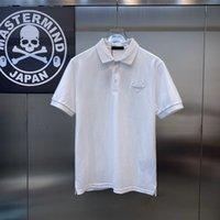 Polos Erkekler Kısa Kollu Avrupa Yama Rozeti Triangl EMARK Yaka Polo Gömlek Tasarımcı Lüks Ürün Golf İtalya Marka Giyim Siyah Beyaz Ticari Yarım Kol