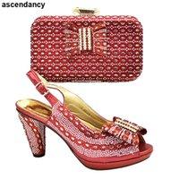 Ladies Zapatos y bolsos italianos Decorado con Rhinestone Mujeres Nigerianas Bombas Zapato Para Fiesta En Vestido