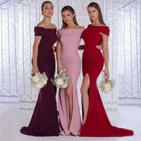 Charming Simple Mermaid Bridesmaid Dresses Off Shoulder Neck Pleated Side Split Country Style Maid Of Honor Gowns Sweep Train Wedding Guest Dress Custom Made