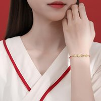 Bracelets de charme 2021 paix joie bracelet de corde rouge féminin design insensé en tissage cette année main