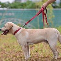 Collari per cani Guinzaglia 3 colori S / M / L SPET regolabile LED LED Laminescente Collare impermeabile Nylon Doppio strato Cinturino per scollo a doppio strato di alta qualità. ,,.