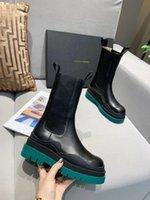 Diseñador Estilo caliente de alta calidad Botas de marcas de diseño negro, plataforma femenina Boo Hebilla con cremallera Botas de tobillo cortas para mujer Botas Martin de cuero