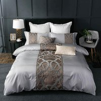 Luxury Solid Color Embroidery Soft Fabric Duvet Cover Bedding Set with Bedsheet and Pillowcases (Egyptian Cotton)