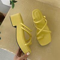 Сандалии Летнее Коренальный каблук Женщины Тапочки увидят пляж Флопс Платформа Слайды Дизайнерские Женские Сандалии Y2K Обувь 2QDC