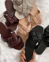 Diapositivas de lujo Tacones bajos Zapatos de mujer Zapatillas de verano Flip Flob Africa Tejido Sexy Arco Sandalias Inicio Durable Europa