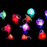 50 pcs / lote crianças brinquedos anéis led piscando iluminação para animal flores de dedo de frutas anel crianças meninos meninas presente de natal 210419