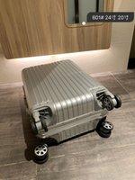 Unisex Luggages 2021 Yeni Moda Valizler Spinner Alüminyum Alaşım Kadın Ve Erkekler Gümüş Tramvay Durumda 24-inç 20-inç